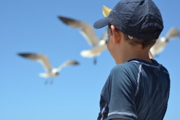Mützen und Hüte für Kinder mit Sonnenschutz